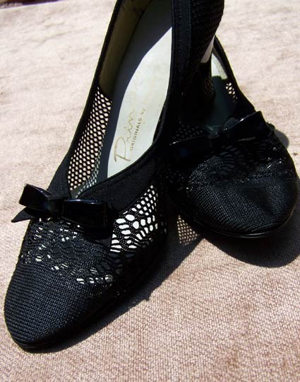 vintage 30s 40s pin up bowed high heels