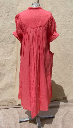 vintage 40s peach rayon robe