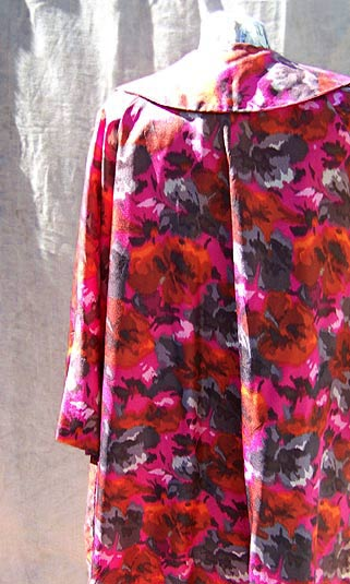 Vintage Maxan floral robe, late 1950s to mid 1960s | deadlyvintage.com :  mad men vintage clothing rockabilly