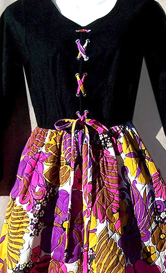 vintage 60s psychedelic hostess dress