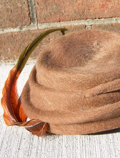Vintage Neumann Endler sculptural tilt hat late 1930s to mid 1940s free shipping deadlyvintage com from deadlyvintage.com