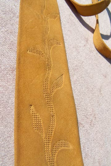 Vintage Tooled suede leather tie, late 1960s to mid 1970s | shop vintage - free shipping with purchase | deadlyvintage.com :  indie boho brown vintage