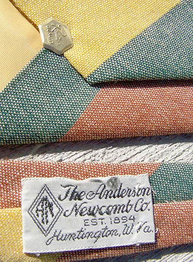 vintage 50s Anderson Newcomb label