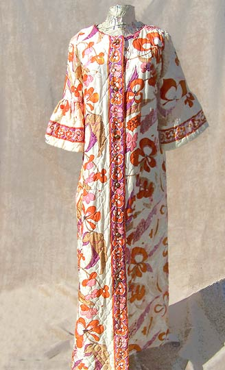 vintage 60s ruffled floral quilted robe