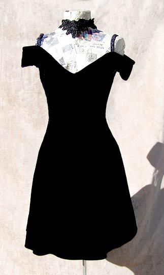vintage choker lace velvet dress