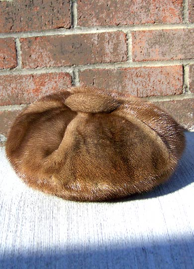 Vintage Russian mink beret NWT, late 1970s to early 1980s | free shipping | deadlyvintage.com